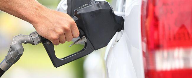 #Combustível: Pela primeira vez em dois meses a gasolina é comercializada a menos de dois reais nas refinarias.